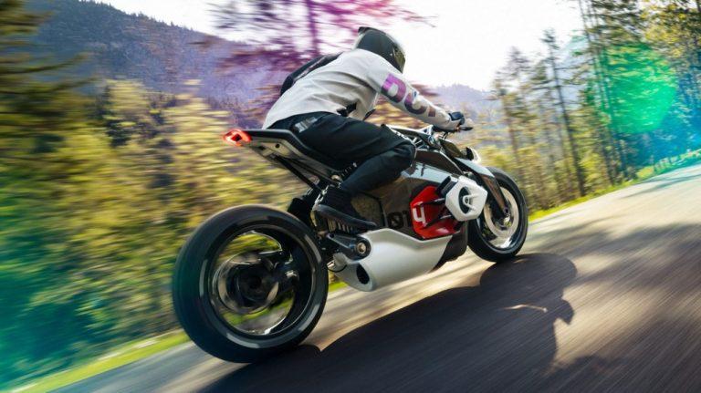 Η BMW «ανασταίνει» την θρυλική μοτοσυκλέτα της «R5